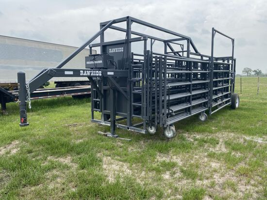 Rawhide Hydraulic Portable Cattle Chute