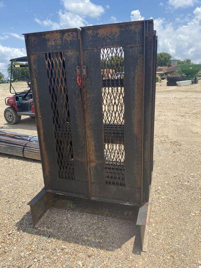 Metal Cage Enclosed Cabinet