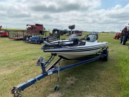 Javelin 400 Fishing Boat w/Johnson Venom 225 Motor
