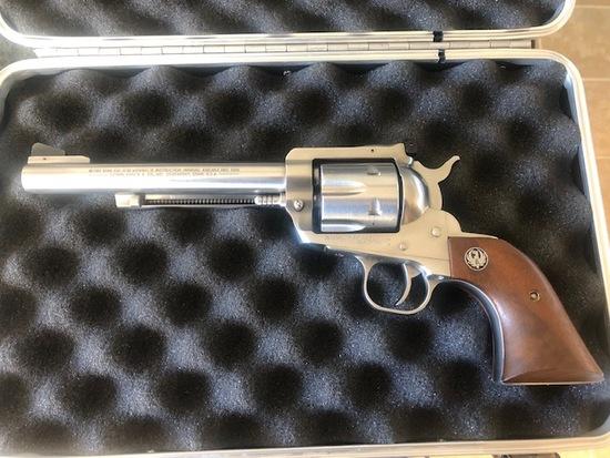 Rugar .357 magnum Blackhawk revolver