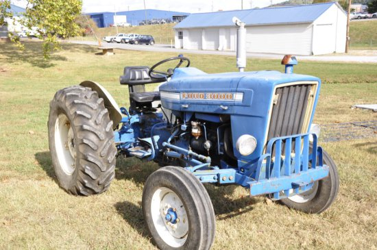 FORD 3000 2WD DIESEL SHOWING 2,024 HRS