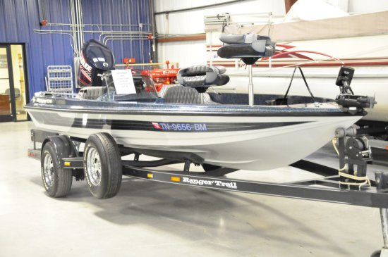 1992 RANGER 374V W/ NEW 2007 150HP EVINRUDE ONLY IN WATER FOR TEST RUN LOWRANCE LGC-3000 GPS