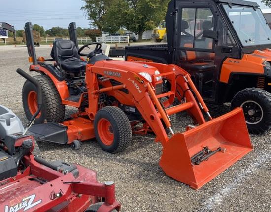 Kubota B2320 Diesel Tractor w/LA 304 Loader