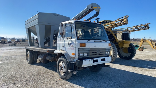 Convey-All BTS 240 Seed Tender W/ Nissan truck