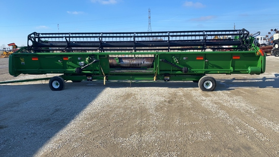 John Deere 930F Grain Platform