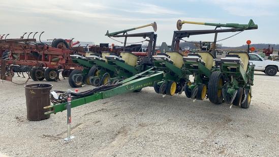 John Deere 7000 12 Row Planter