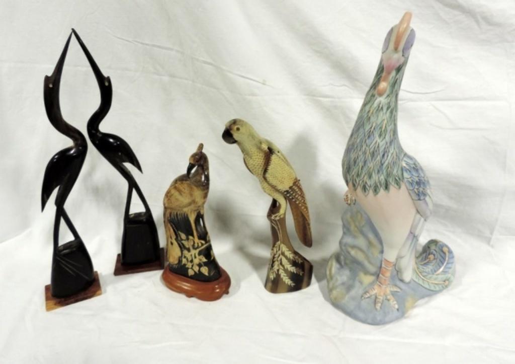 4 Piece Horn Carved Bird And Ceramic Bird Lot
