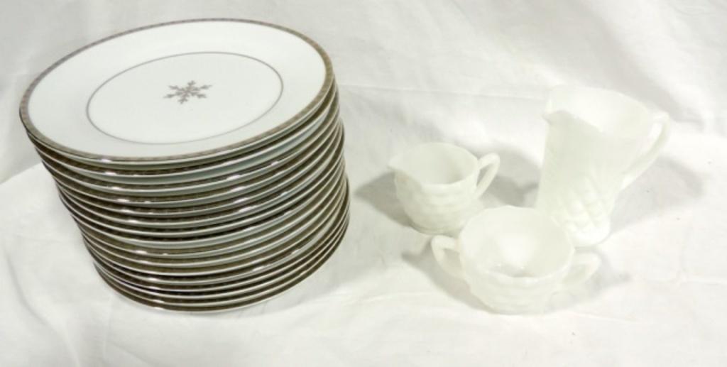 Set Of 18 Onyx & Ice Dinner Plates Plus More