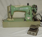 Viscount Precision Deluxe Model # 202 Sewing Machine In Case
