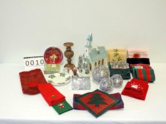 Miscellaneous Christmas Linen & Decoration Lot