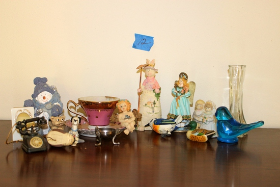 Tray Lot of Collectables