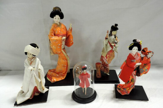 Lot Of 4 Cloth Oriental Dolls & Another Doll Under Glass Dome