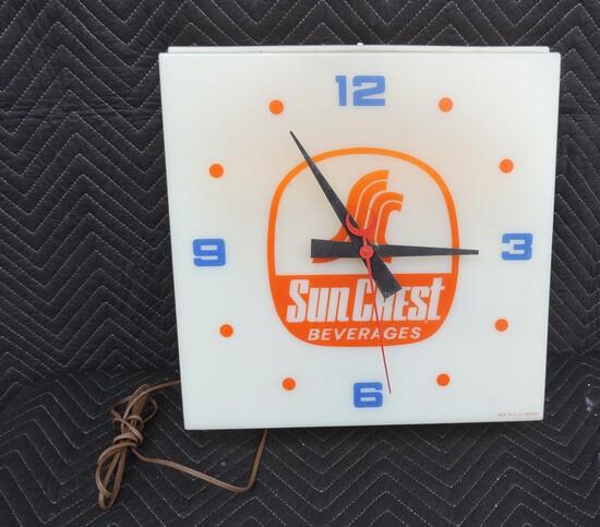 Guaranteed Original Sun Crest Plastic Clock
