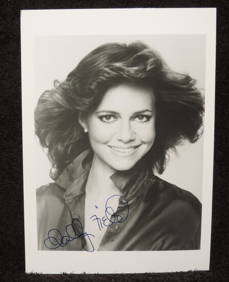 Autographed Sally Field 5x7 Photo