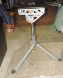 Rockwell Jaw Stand