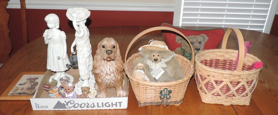Lot of Decorative Items and Baskets