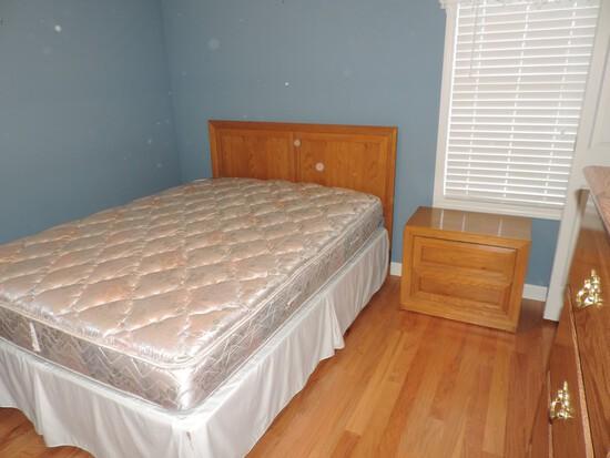 (3) Piece Thomasville Oak Bedroom Suite