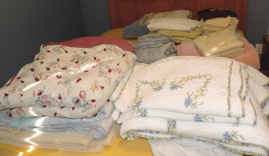 Lot of Blankets, Comforters, and Sheets