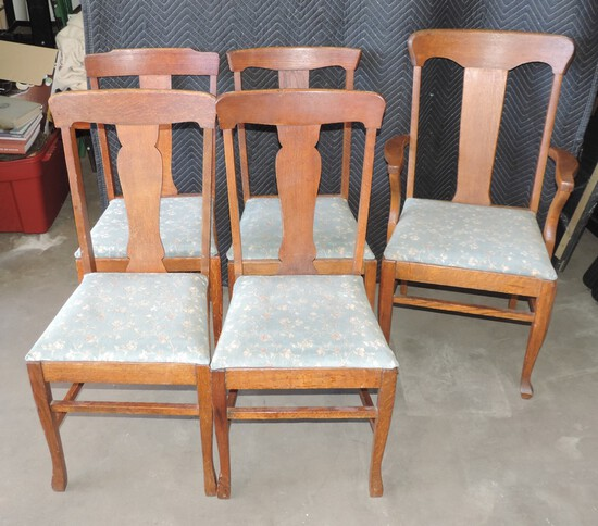 Lot of (5) Antique Oak Kitchen Chairs and Table