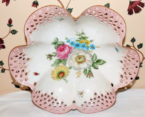 Unsigned German articulated porcelain insect bowl