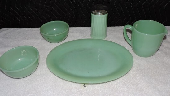 Lot of (5) Pieces of Jadeite Fire king