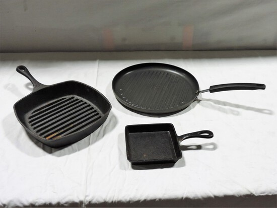 2 Cast Iron Skillets & Grilling Pan