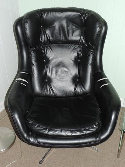 Original Modern Egg Chair
