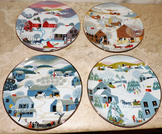 Set of (4) Betsey Bates Home for Christmas Plates