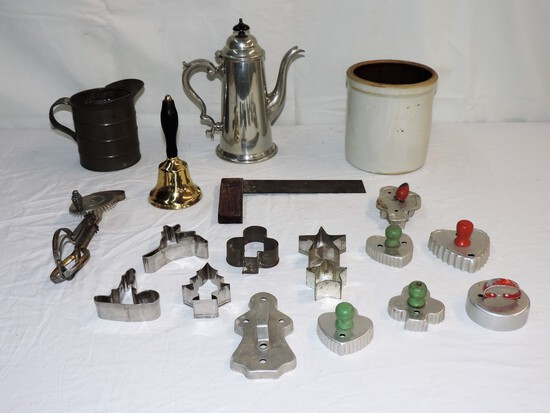 Lot of Vintage Kitchen Items