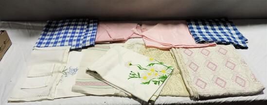 Box lot Tablecloths & Linens