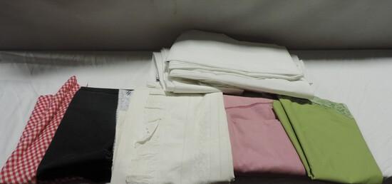 Tray Lot Tablecloths