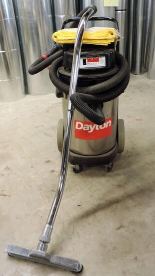 Dayton Wet-Dry Vacuum