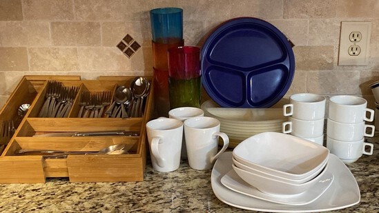 Large Lot of Useful Kitchen Items