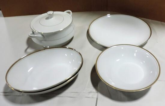 Royalton China Co. 4 Pc Set