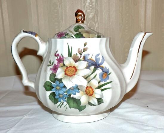 Windsor Teapot