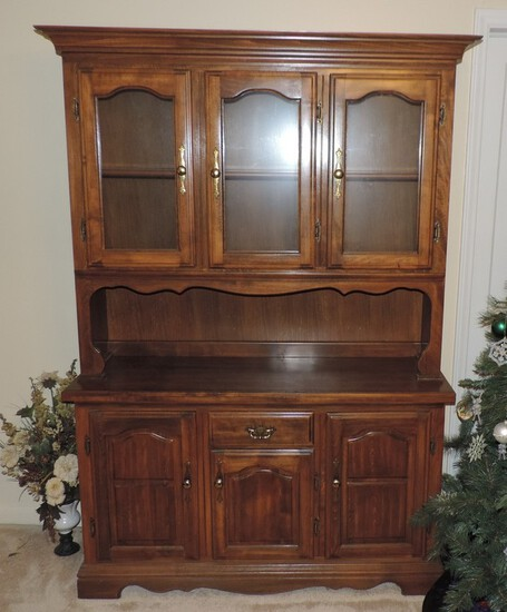 Vintage 1970's China Cabinet