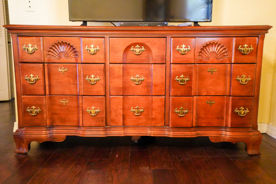 4 Piece Bedroom Suite Including Gentleman's chest, Chest of Drawers, Night
