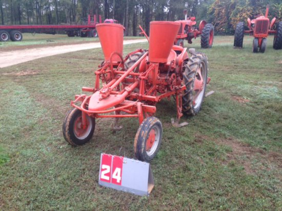 ALLIS CHALMERS G WITH 2 ROW PLANTER