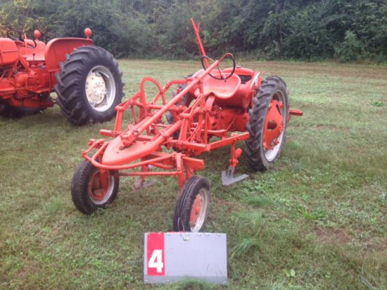 ALLIS CHALMERS G WITH CULTIVATOR