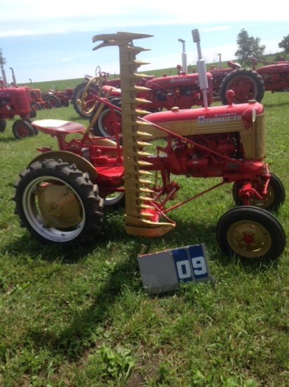 FARMALL CUB WITH SICKLE MOWER, 6697