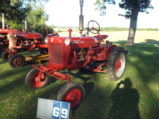 FARMALL CUB, FCUB137525, WITH 2 WAY MTD PLOW