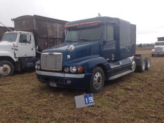 2000 FREIGHTLINER WITH SLEEPER, DETROIT 60, AIR LIFT PUSHER AXLE, WITH WET KIT, 1FUYSSEB2YPA91144