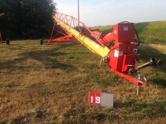 WESTFIELD MK 130-91, 13 INCH X 91 FT GRAIN AUGER, WITH HOPPER, HOPPER WALKER