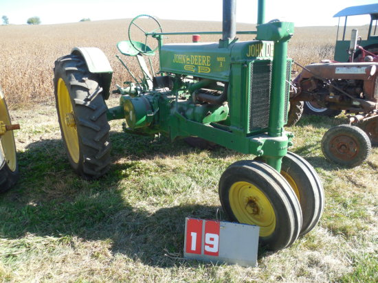 JOHN DEERE A, 427817, 1936, FENDERS, NEW RUBBER, RESTORED