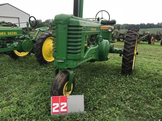 JOHN DEERE A, 586682, 1947, SINGLE FRONT, NEW RUBBER, RUNS, RESTORED