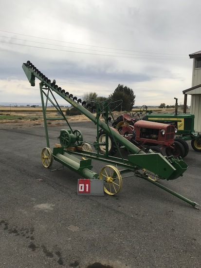 JOHN DEERE PADDLE AUGER WITH JOHN DEERE 3 HP ENGINE