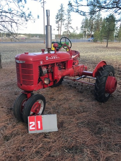 FARMALL B, 210635, WITH REAR WEIGHTS, RESTORED, RUNS