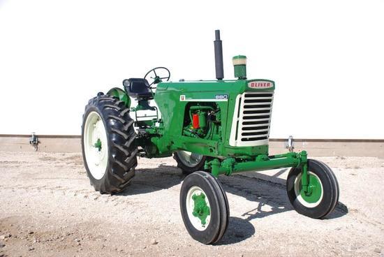 1961 Oliver 880 Diesel