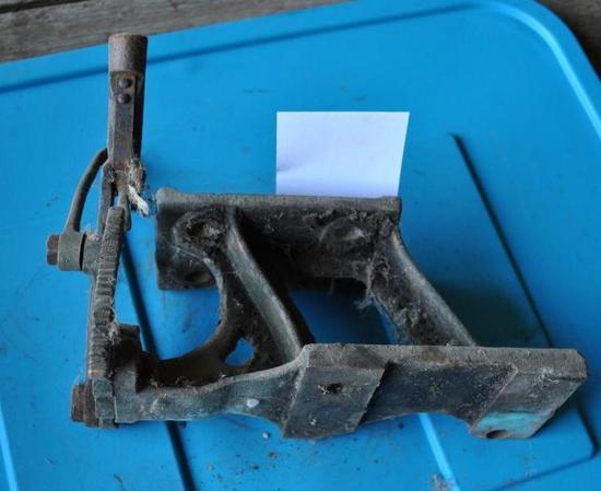 Prairie Tractor Mag Bracket