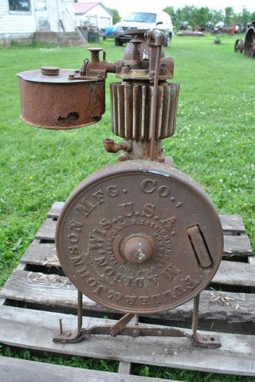 Fuller & Johnson Pump Jack Engine